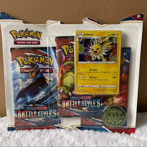NWT Pokémon Sword Shield Jolteon Trading Card Hame